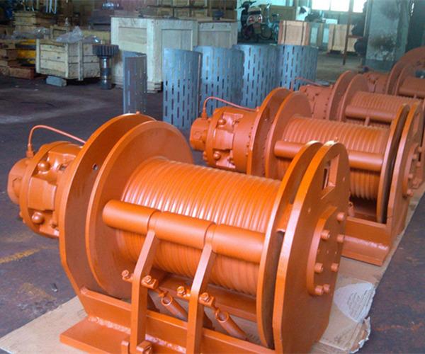 Fabricante profesional de malacates hidráulicos para el uso industrial, hasta 200 toneladas